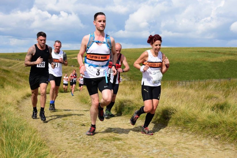 Runner Report – 'A Grand Challenge (Part 2 – Fells, Frightening climbs, Fast flats & the Finale) –  Joining the 2017 Pendle & Burnley Grand Prix 14/14 Race 'Grand Slam' Club'